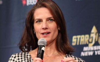 Terry Farrell Height Weight Bra Size Body Measurements