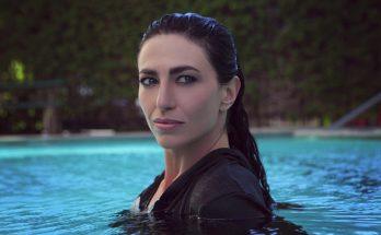 Claudia Black Height Weight Bra Size Body Measurements