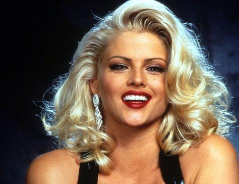 Anna Nicole Smith Height Weight Bra Size Body Measurements