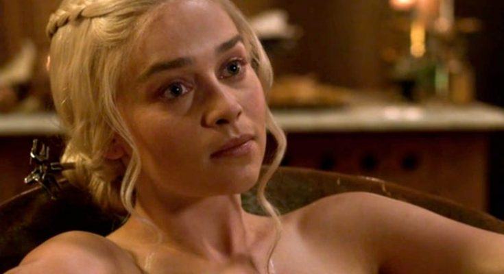 Emilia Clarke's Body Measurements Including Height, Weight ...