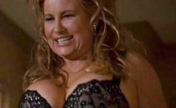 Jennifer Coolidge Height Weight Bra Size Body Measurements