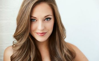 Laura Osnes Height Weight Bra Size Body Measurements