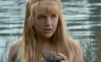 Renee O'Connor Height Weight Bra Size Body Measurements