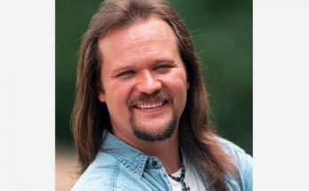 Travis Tritt Height Weight Bra Size Body Measurements