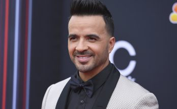 Luis Fonsi Height Weight Bra Size Body Measurements