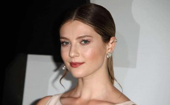 Zoe Levin Height Weight Bra Size Body Measurements