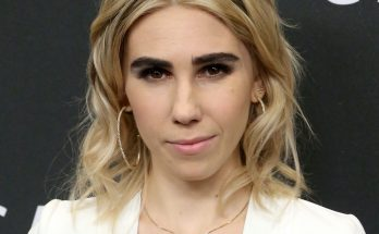Zosia Mamet Height Weight Bra Size Body Measurements