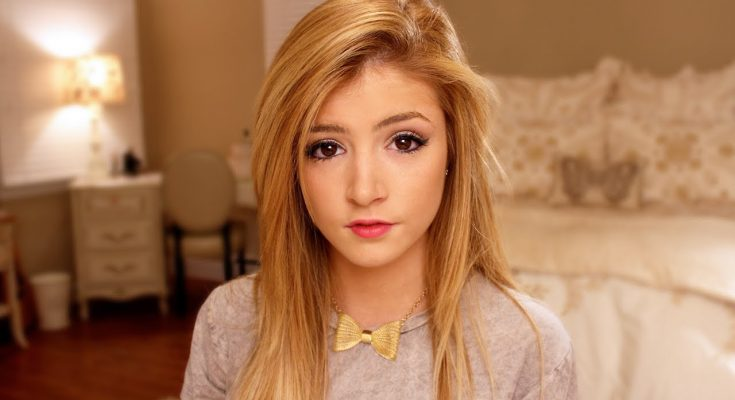 Chrissy Costanza Biography Weight Height