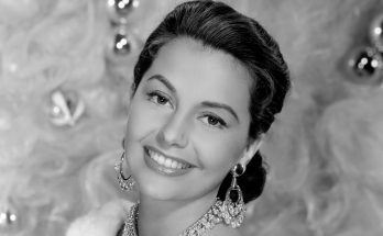 Cyd Charisse Weight Biography Quotes Height