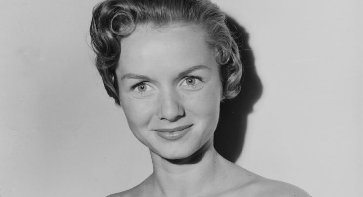Debbie Reynolds Quotes Breasts Biography Height