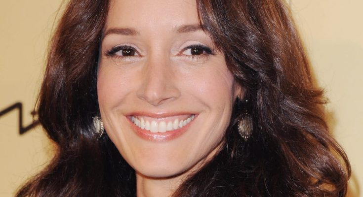 Jennifer Beals Height Bra Size Quotes Breasts Biography