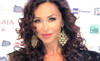 Sofia Milos Bra Size Breasts Biography